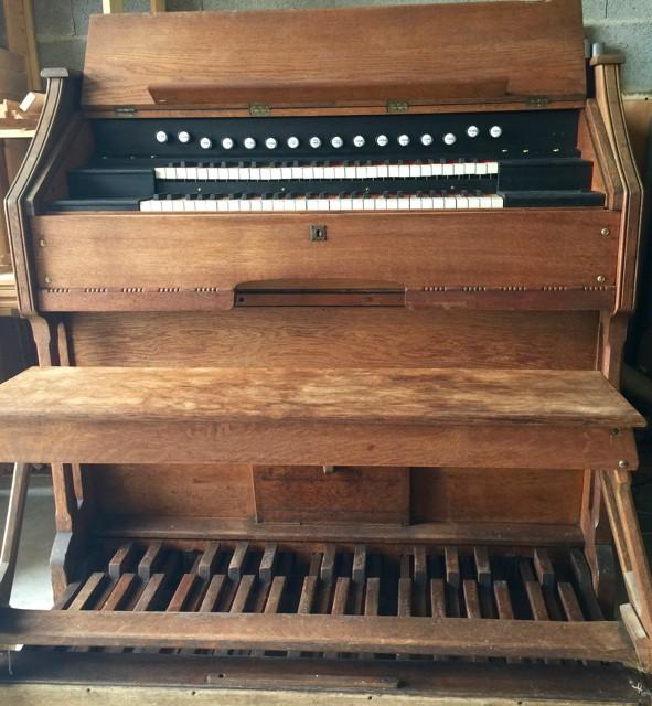 Harmonium deux claviers et pédalier Img_5812