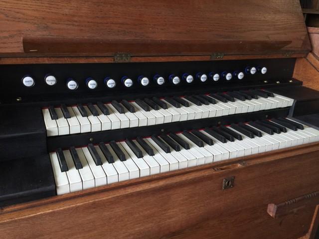 Harmonium deux claviers et pédalier Img_5813