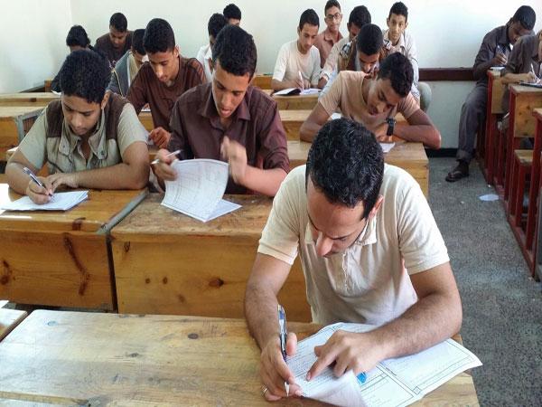 """أخر التطورات """"الوزارة تقرر"""" إعادة توزيع درجات الإنجليزي وإعلان نتيجة العربي السبت 07c84310"""