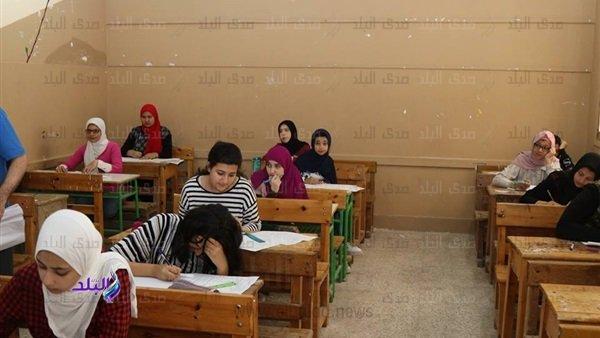 التعليم فى القاهرة تشيد بامتحان اللغة العربية للشهادة الإعدادية سهل والطلاب سعداء 14310