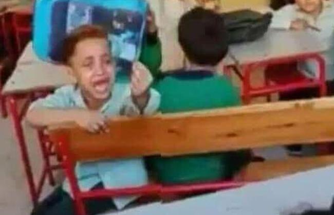 """الأهرام - الصغير الذي توسل الإنسانية وكشف """"معاداة"""" المدارس لنظام التعليم الجديد 19_20112"""