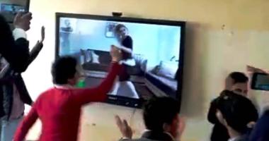فيديو الراقصة الذى شاهده الطلاب  داخل المدرسة و تسبب فى الإطاحة بمدير المدرسة و إحالة أخرين شئون قانونية و كافأ 22 طالب براحة منزلية 3 أيام 20200210