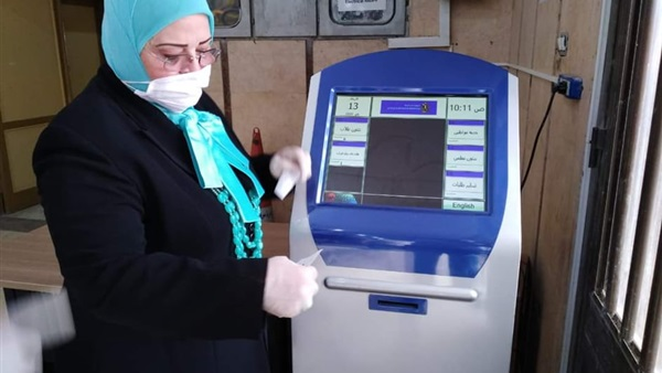 دكتورة كشك -  تركيب بوابات تعقيم على بوابات لجان الثانوية العامة بتكلفة 400 ألف جنيه 2721010