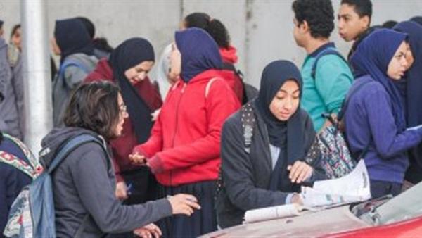طلاب إعدادية القاهرة امتحان اللغة الإنجليزية فيه أخطاء  36711