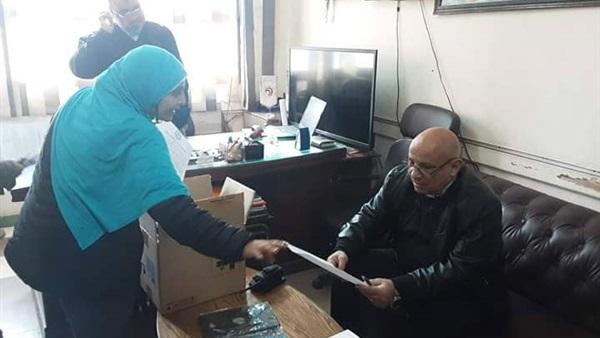 صور توزيع التابلت على طلاب الصف الأول الثانوى بالقاهرة  4011