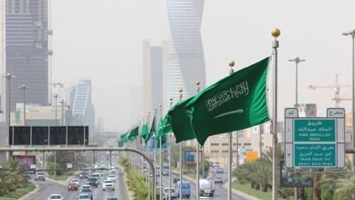 """نقلا عن صحيفة عكا ظ ننشر رسوم الإقامة المميزة """"بدون كفيل"""" في السعودية 46810"""