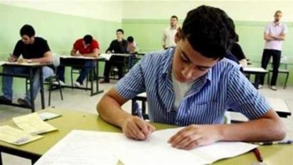 """التعليم تعيد توزيع الأسئلة على الورق الإمتحانى و الوزير يطمئن الطلاب """" متخافوش"""" 52513"""