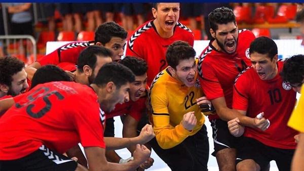 دكتور رضا حجازى رئيس قطاع التعليم - فوز منتخب مصر للناشئين بكأس العالم لكرة اليد لم يكن صدفه 5410