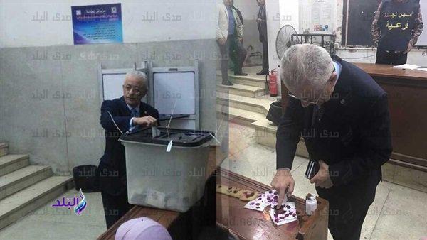 دكتور شوقى وزير التعليم يدلي بصوته في استفتاء التعديلات الدستورية 64010