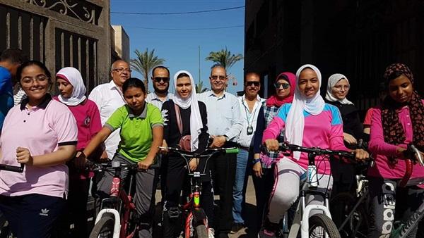 وكيل وزارة بور سعيد يشهد انطلاق سباق دراجات البنات مرحلة إعدادى و ثانوى 66210