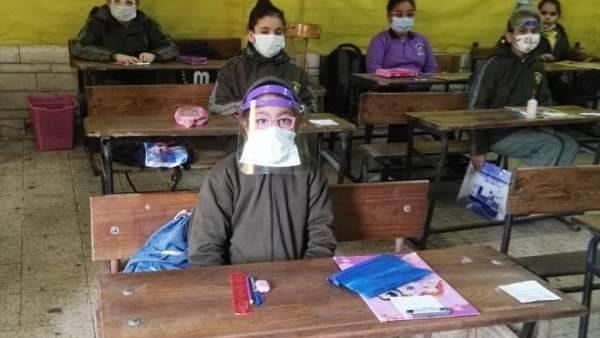 اليوم - طلاب الخامس الابتدائي يؤدون الامتحان المجمع متعدد التخصصات 70910