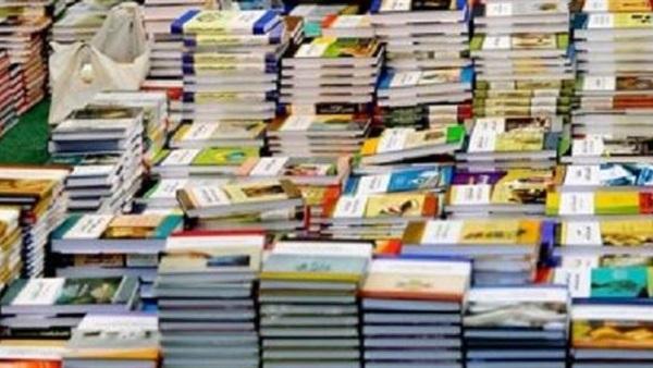 أولياء الأمور يناشدون دكتور شوقى  تطوير الكتاب المدرسى  لرفع أعباء الكتب الخارجية عن كاهلهم 76814