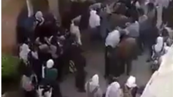 تشاجر بنات مدرسة في إمبابة بالأسلحة البيضاء  83410