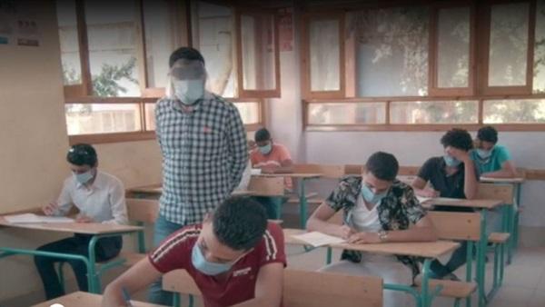 آراء طلاب الثاني الثانوي: امتحان الفلسفة سهل.. والأحياء متوسط الصعوبة  83810