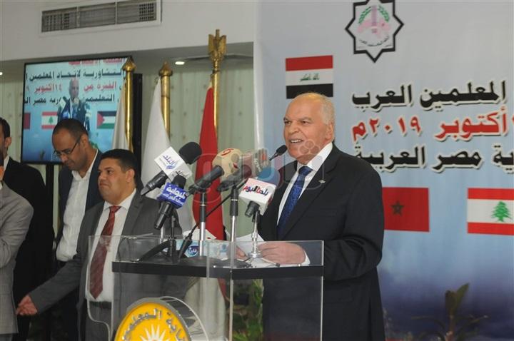 نقيب المعلمين - مصر أكرمت السوريين على أراضيها وتركيا تقتلهم 88610
