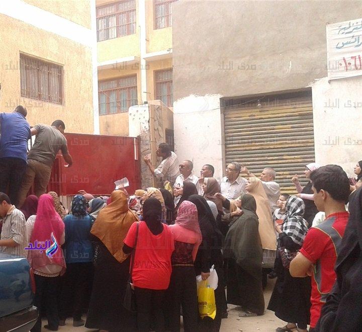 رصد من  محافظات مصر المختلفة إغماءات و تشنجات داخل وخارج لجان الفيزياء والتاريخ 89110