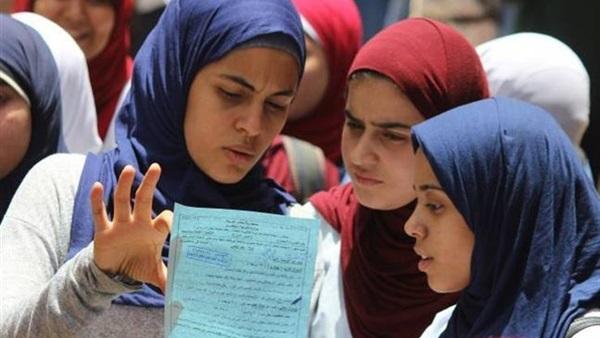 بني سويف   إغماء طالبة أثناء امتحان الاقتصاد والإحصاء للثانوية العامة  91810