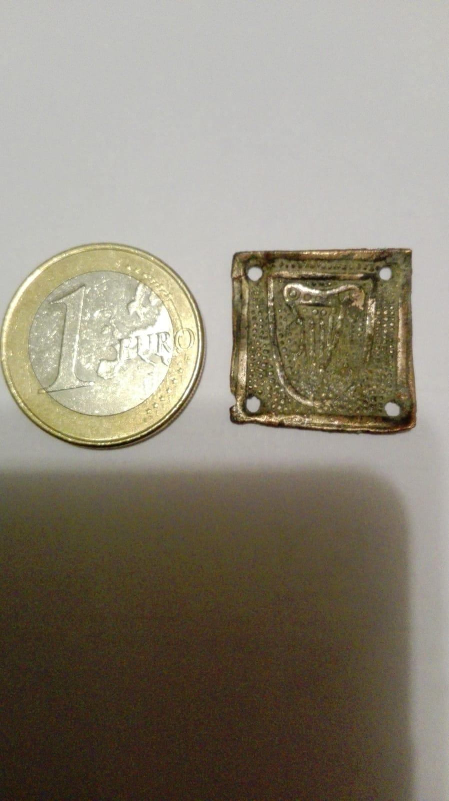 Emblema o adorno ... Img-2010