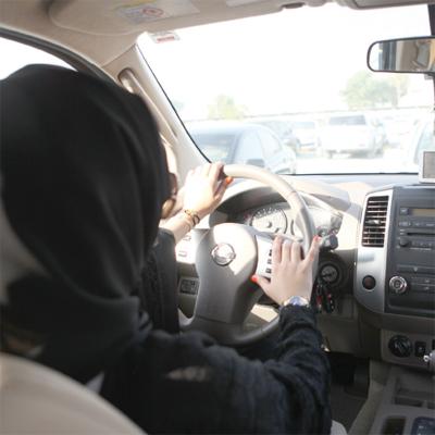 أول النساء في الوطن العربي ممن حصلن على رخص قيادة 1110