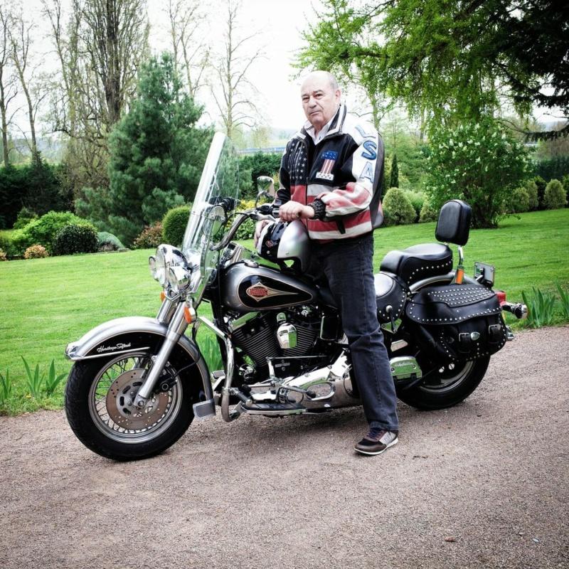 Ils ont posé avec une Harley, uniquement les People - Page 8 0d0e2610