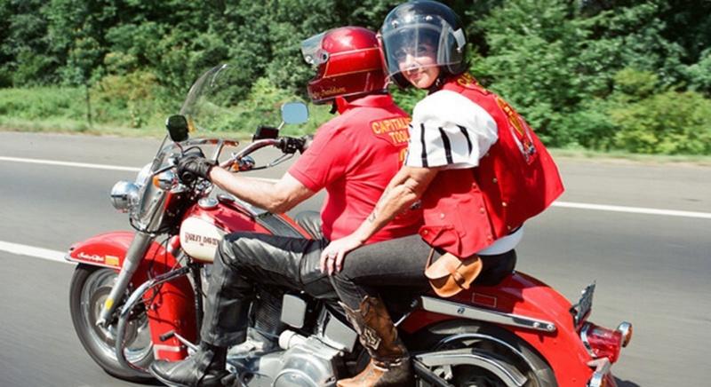 Ils ont posé avec une Harley, uniquement les People - Page 35 Imag1437