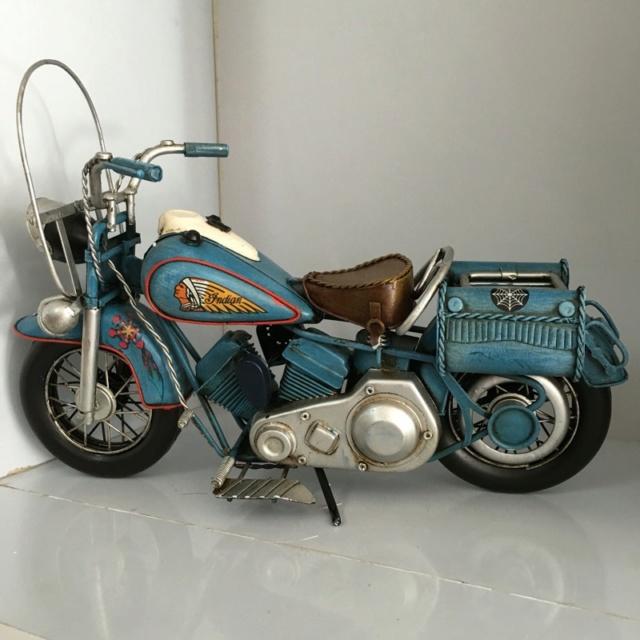 Jouets, jeux anciens et miniatures sur le monde Biker - Page 24 Imag2032