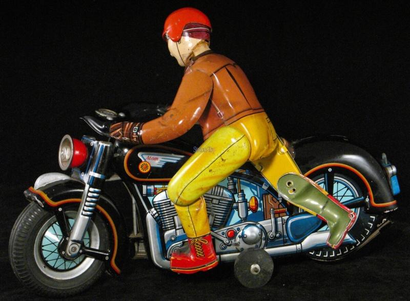 Jouets, jeux anciens et miniatures sur le monde Biker - Page 24 Imag2136