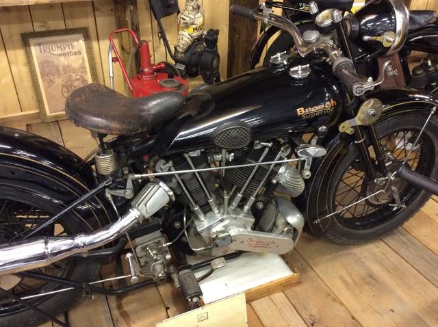 Quelques photos de motos du musée Baster à RIOM - Page 2 Image42