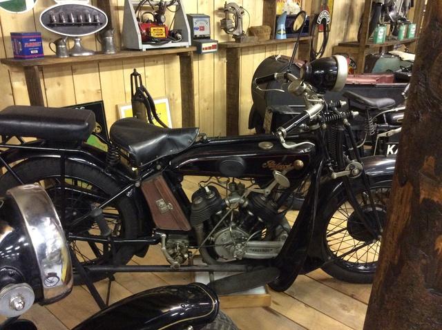 Quelques photos de motos du musée Baster à RIOM - Page 2 Image43