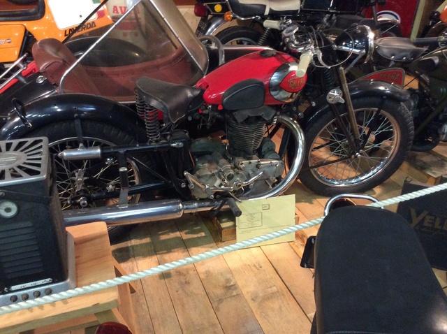 Quelques photos de motos du musée Baster à RIOM - Page 2 Image45