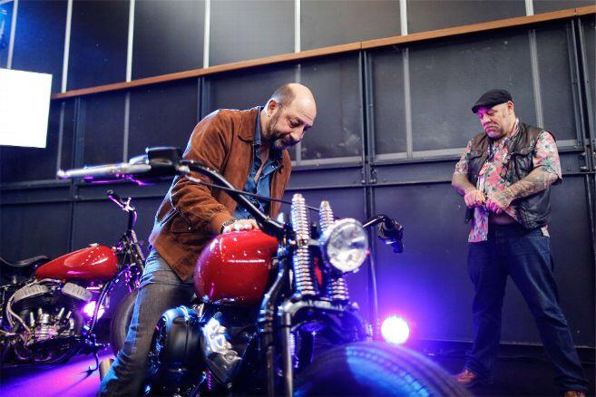 Ils ont posé avec une Harley, uniquement les People - Page 32 Image736
