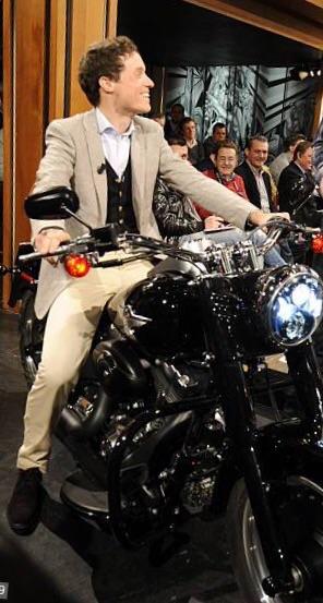 Ils ont posé avec une Harley, uniquement les People - Page 32 Image767