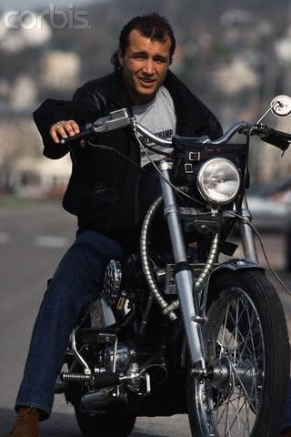 Ils ont posé avec une Harley, uniquement les People - Page 21 Image90