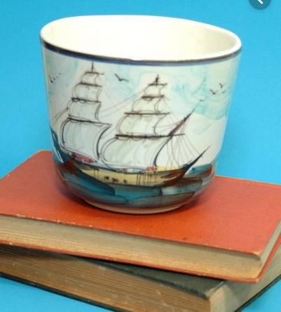 un cache pot avec un bateau a aubes = Paddle steam Captu613