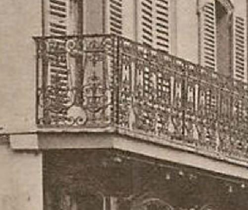 Une rue  de Juvisy,, un défilé, un personnage yeux bandés ....  - Page 3 Captu804
