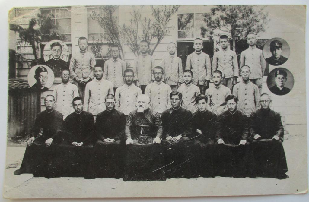 CPA Une école catholique au Japon ? Cp-jap10