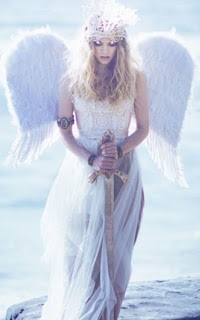 """""""Montre-leur les anges et les démons. Ressuscite leurs peurs ancestrales. L'indifférence, c'est la mort. Sans ténèbres, il n'y a pas de lumière. Sans Mal, il n'y a pas de Bien. Donne-leur le choix."""" D.Brown ☯ Dharma ☯ Ange15"""
