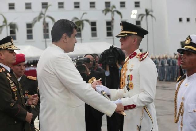 Presidente Maduro: Todos los días debemos elevar la fortaleza de la institución militar 004_eg10