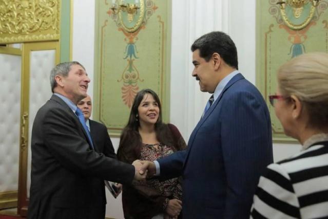 Nicolás Maduro con la empresa francesa Maurel & Prom