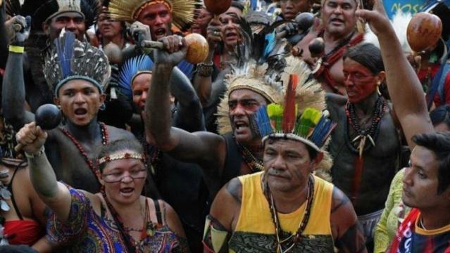 Indígenas brasileños protestaron por las políticas de