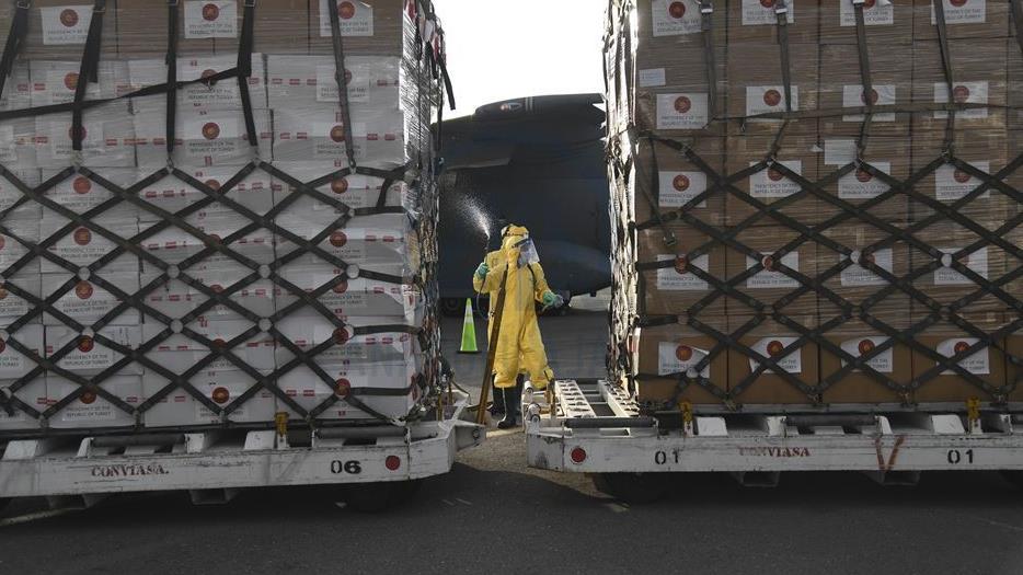 Venezuela recibió 15 toneladas de ayuda humanitaria enviada por Turquía para combatir el Covid-19 13421010