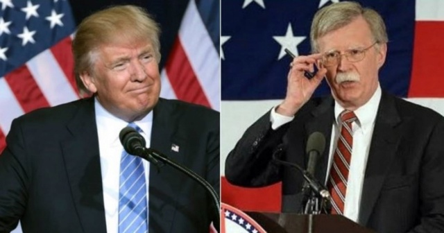Donald Trum y John Bolton