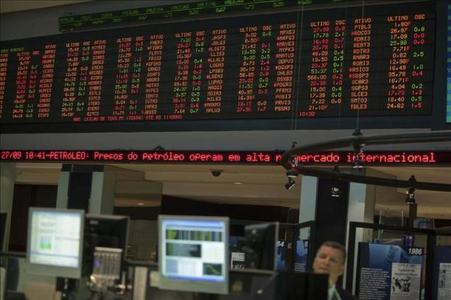 Bolsa de Sao Paulo cae