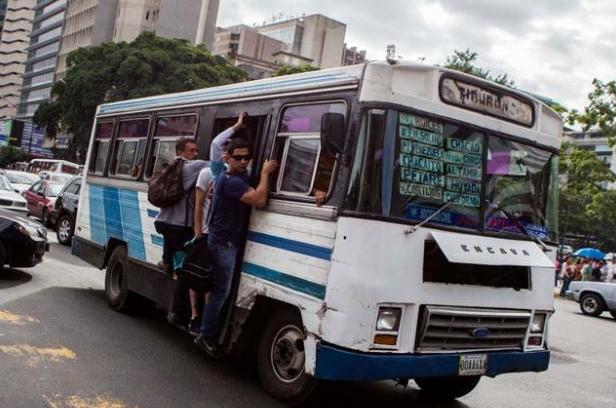 PCV llama a combatir mafias en el sector transporte 2018-020
