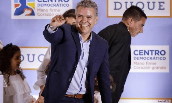 Iván Duque, el candidato de Álvaro Uribe y la derecha gana la presidencia de Colombia 2018-032