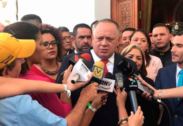 Cabello: La derecha insiste en la violencia para tomar espacios que no pueden tomar por los votos 2018-129
