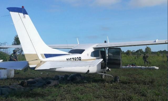 Avioneta con cocaina