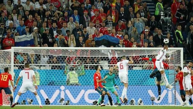 España empata con Marruecos en un duelo vibrante y se cruzará con Rusia 2018 en octavos 5b314610