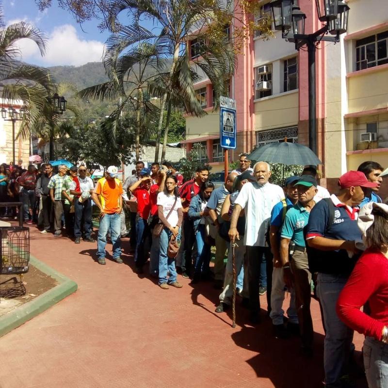 (Fotos) Trujillanos salieron masivamente a firmar para rechazar bloqueo de EEUU contra Venezuela 66421610