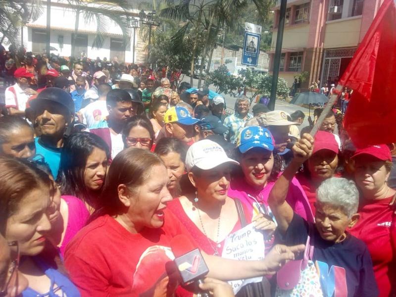 (Fotos) Trujillanos salieron masivamente a firmar para rechazar bloqueo de EEUU contra Venezuela 67822510